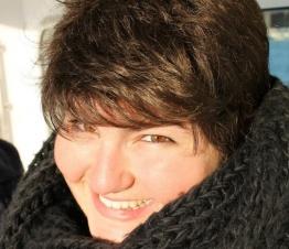 Sarina lives in London, England.