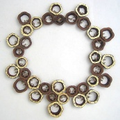 necklace_mahogany