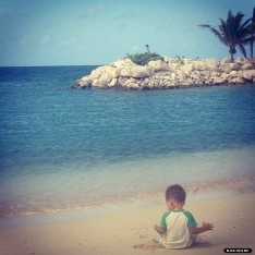 Alicia Keys' son Egypt in Curaçao.