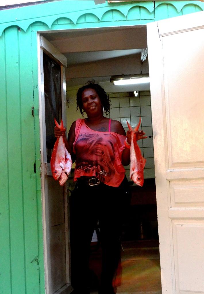 Contemporary Maskadera (female door-to-door fish seller) in Boka Samí.