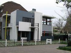 Rietveld Schröder House in Utrecht (1924)