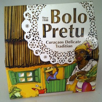 Commercial Bolo Pretu sold at grocery stores and specialty shops.