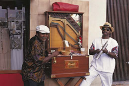 Kah'i Orgel + Wiri. http://www.caribseek.com/Curacao/curacao-dance-and-music-european-influences.shtml